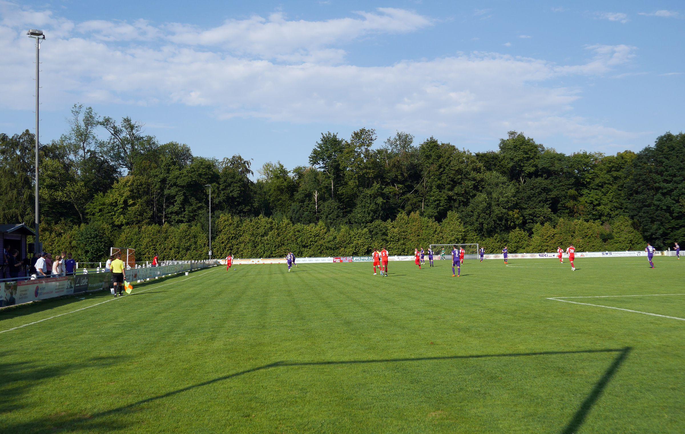 Oberwaldstadion im Sonnenschein…