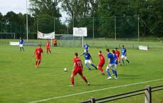 In der ersten Hälfte jagten die roten Heidelsheimer den FC Neureut vergeblich…