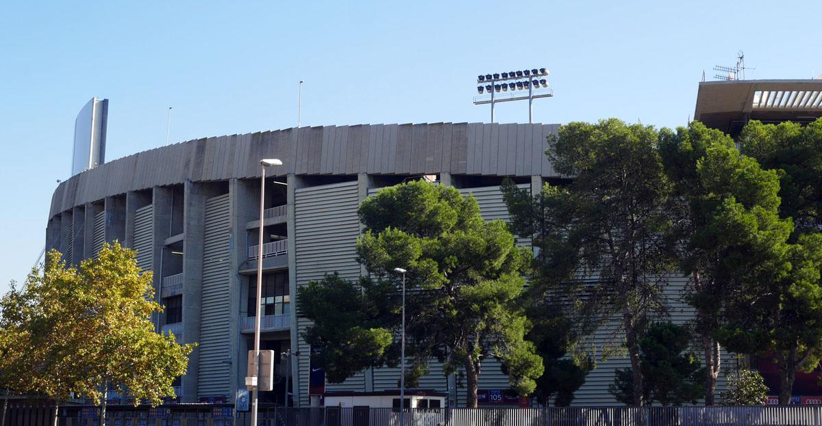 Bild: Camp Nou von außen