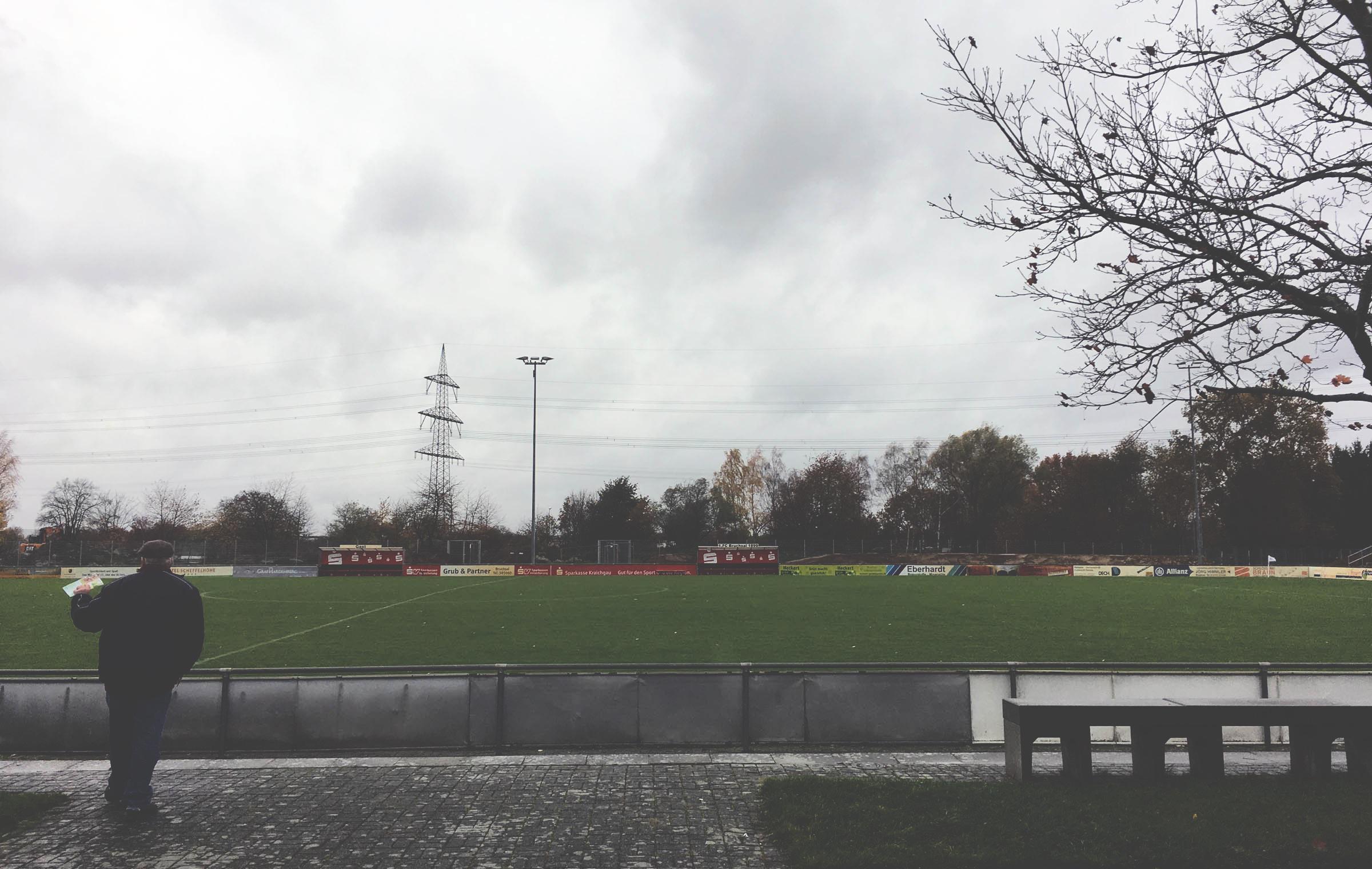 Rechtzeitig zum Spielbeginn ließ der Regen nach…