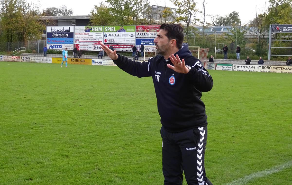 Mannheims Trainer Hakan Atik.