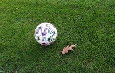 Ein letztes Mal Rasen und Ball bevor es verboten wurde…