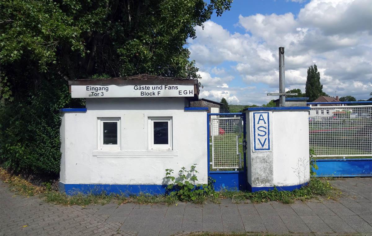 Das altehrwürdige Turmbergstadion.
