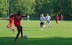 Carlos Del Ose Nchama spielte eine auffällige erste Halbzeit und musste dann verletzt raus…