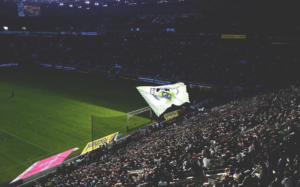 Flagge in der Nordkurve im Borussia-Park
