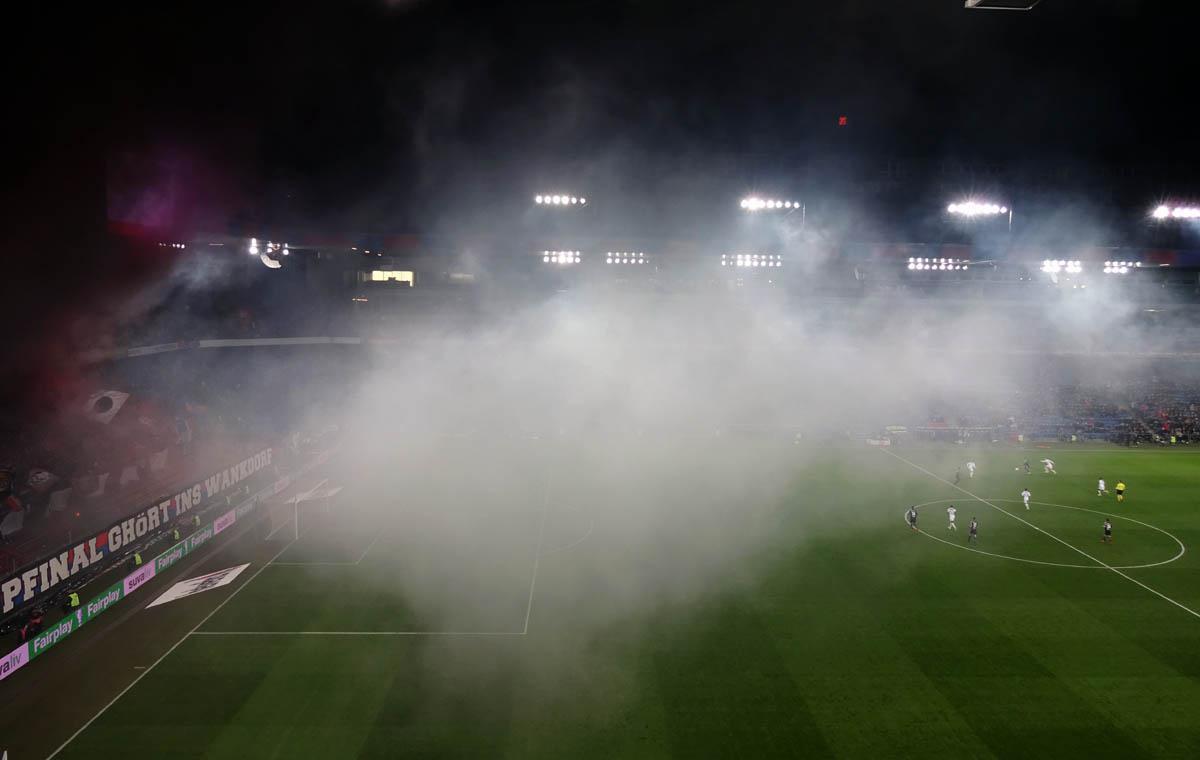 Spielen im Pyro-Nebel…