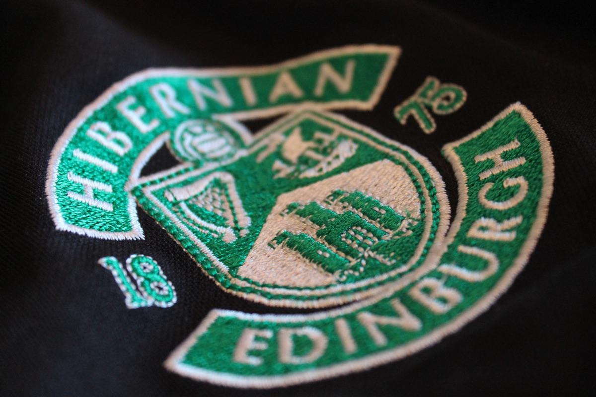 »Hibernian Badge« von GDU photography auf flickr, CC BY-NC-ND 2.0