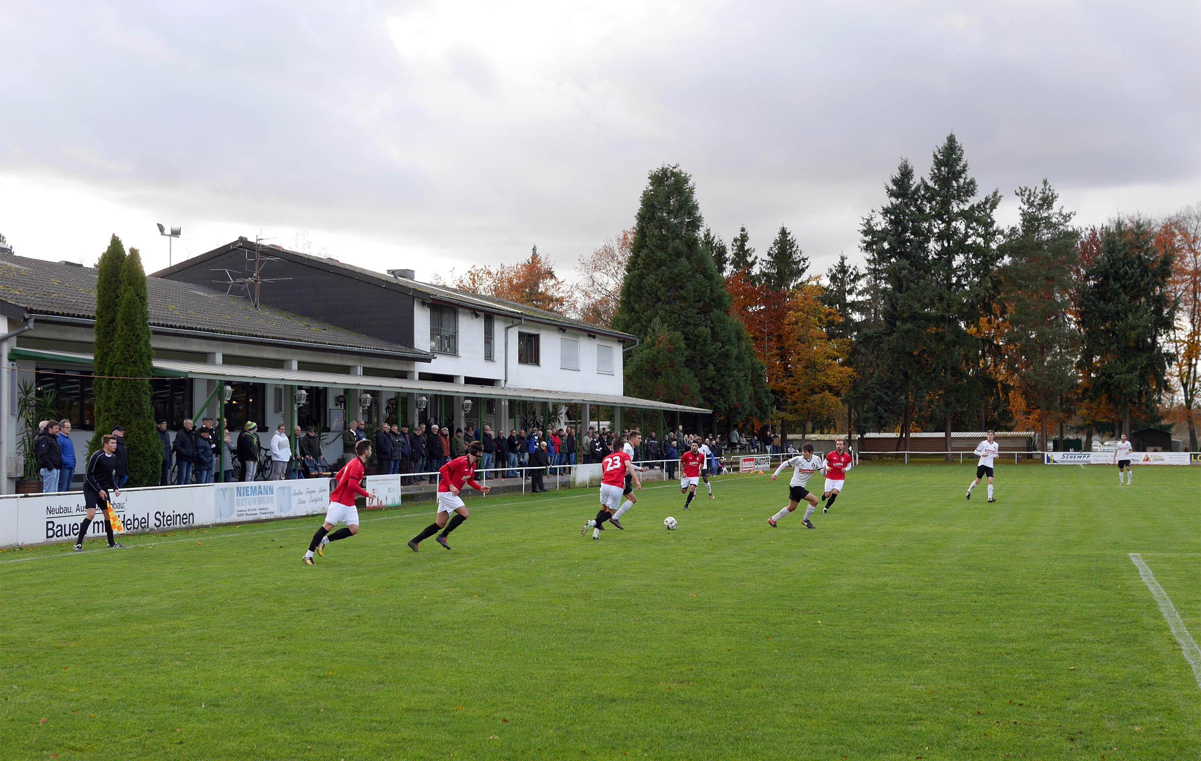 Guter Besuch im Stutensee-Stadion.