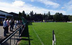 Ein gut gefülltes Stutensee-Stadion zum Spitzenspiel.