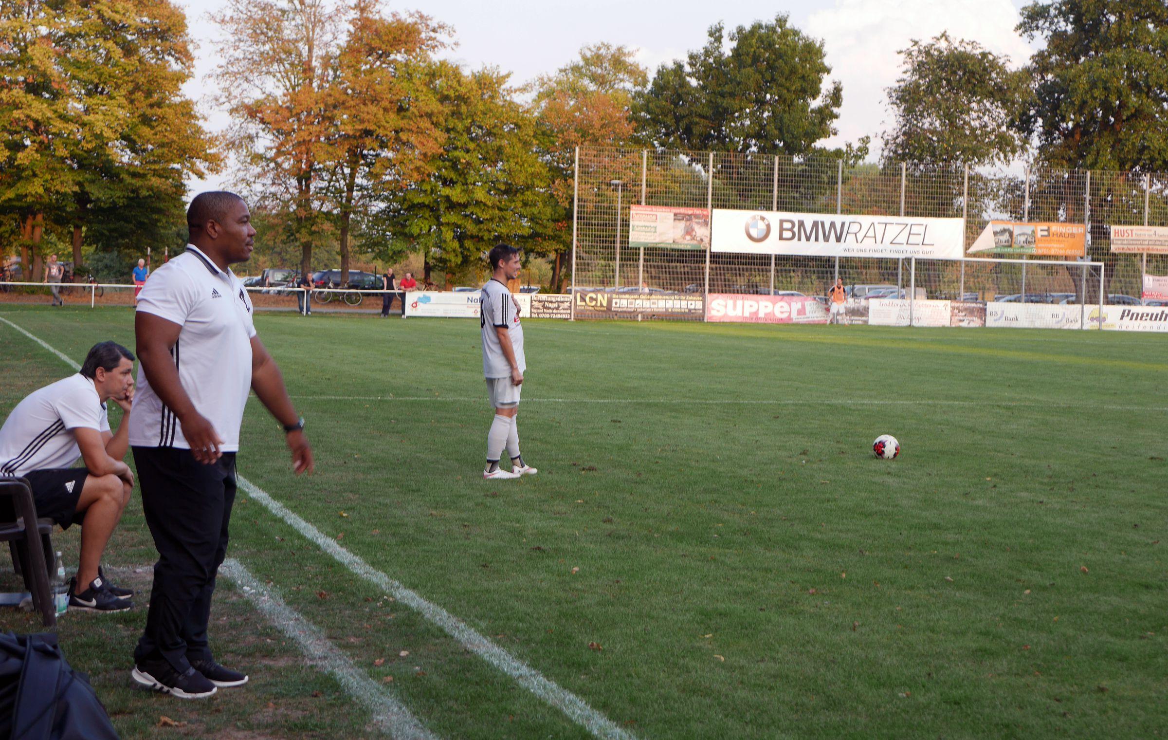 Trainer Noukiatchom konnte bis auf das Ergebnis mit seinem Team zufrieden sein…