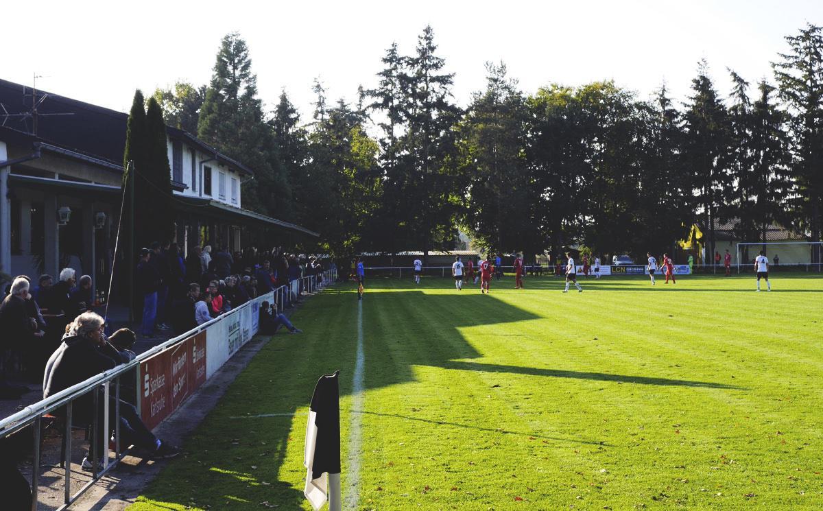 Bild: Stutensee-Stadion mit dem Schnitzelparadies