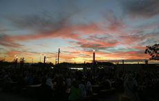 Sonnenuntergang über dem Nordpark.