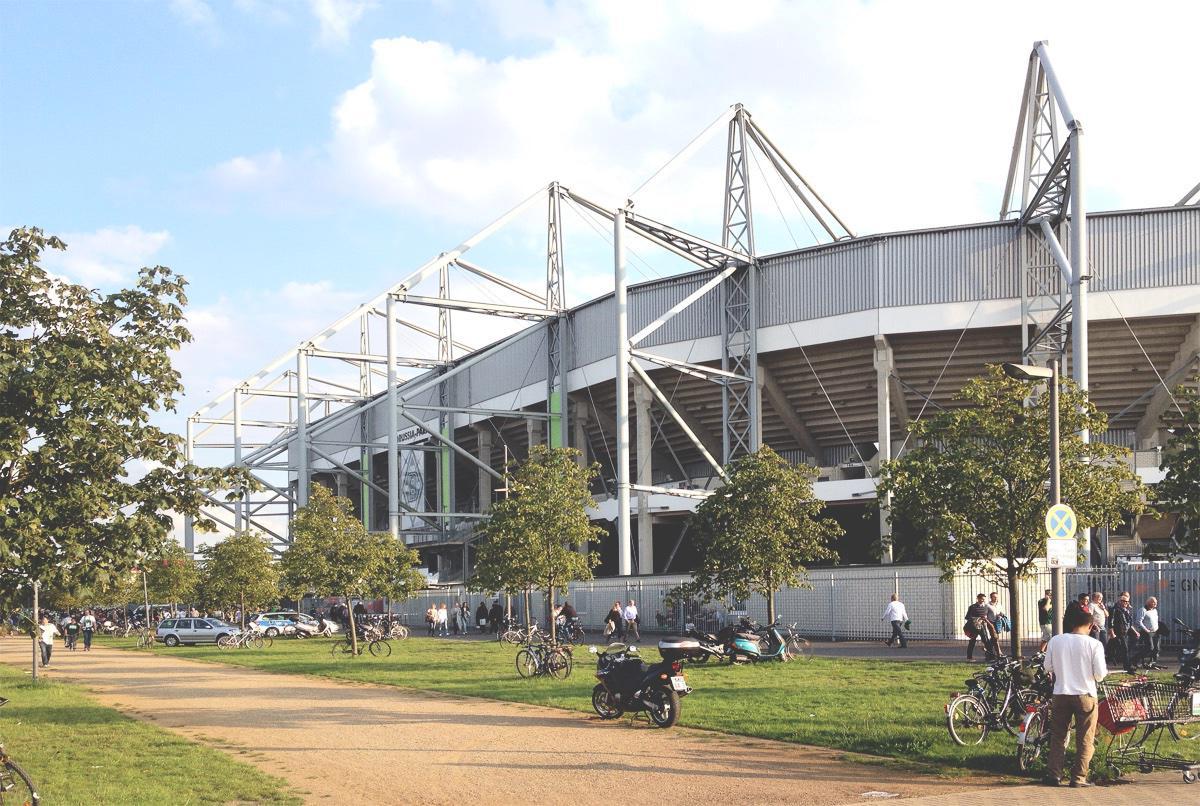 Bild: Gladbach vs HSV im Borussia-Park am 11.9.15