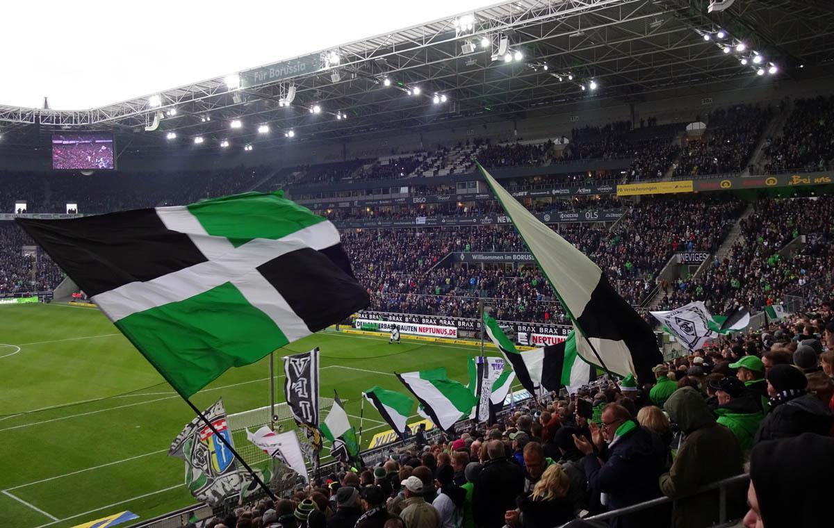 Nordkurve beim 1:0-Sieg gegen Mainz 05 im Dezember 2016