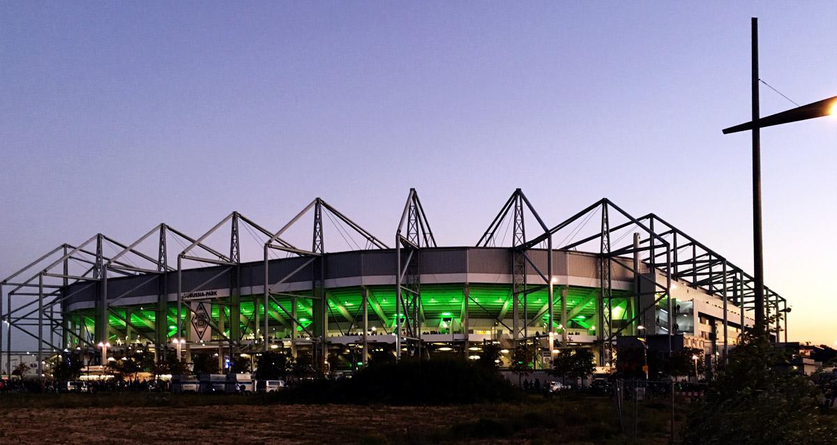 Bild: Der Borussia-Park vor dem Spiel