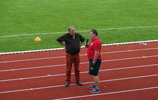 Trainer Jörg Radowski (rechts im Bild) ist optimistisch für die kommende Saison