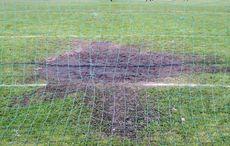 Der Rasen im Strafraum war leicht ramponiert…