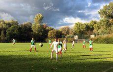 Im Mittelfeld wurde Fußball »gearbeitet«…