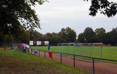 Regnerisches Herbstwetter auf dem Sportplatz…