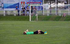 Spieler von Fortuna Kirchfeld hat Schmerzen!