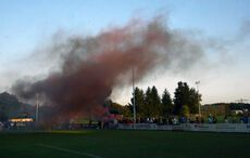 Trotz der Niederlage feierten die Weingartener Fans mit einem Smoker…