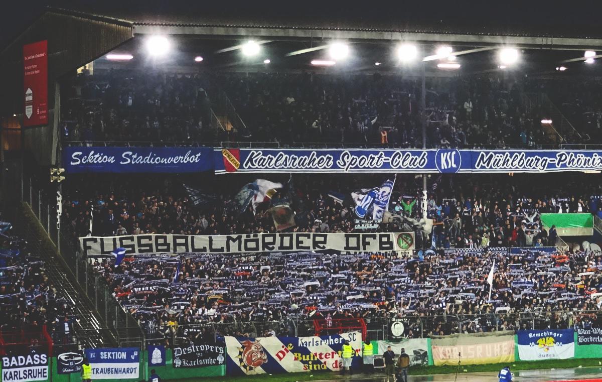 »Fußballmörder DFB«