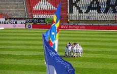 The Huddle unter der Flagge…