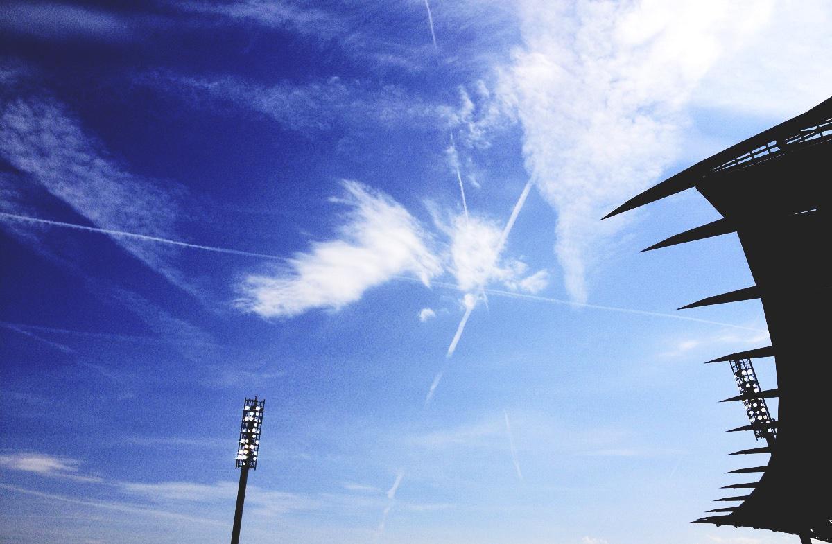 Bild: Himmel über dem Wildpark beim Spiel KSC vs Union Berlin