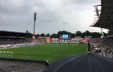 KSC vs SV Wehen-Wiesbaden, Anstoß im Regen