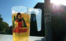 Es war nicht alles schlecht: Die Sonne schien und es gab Bier!