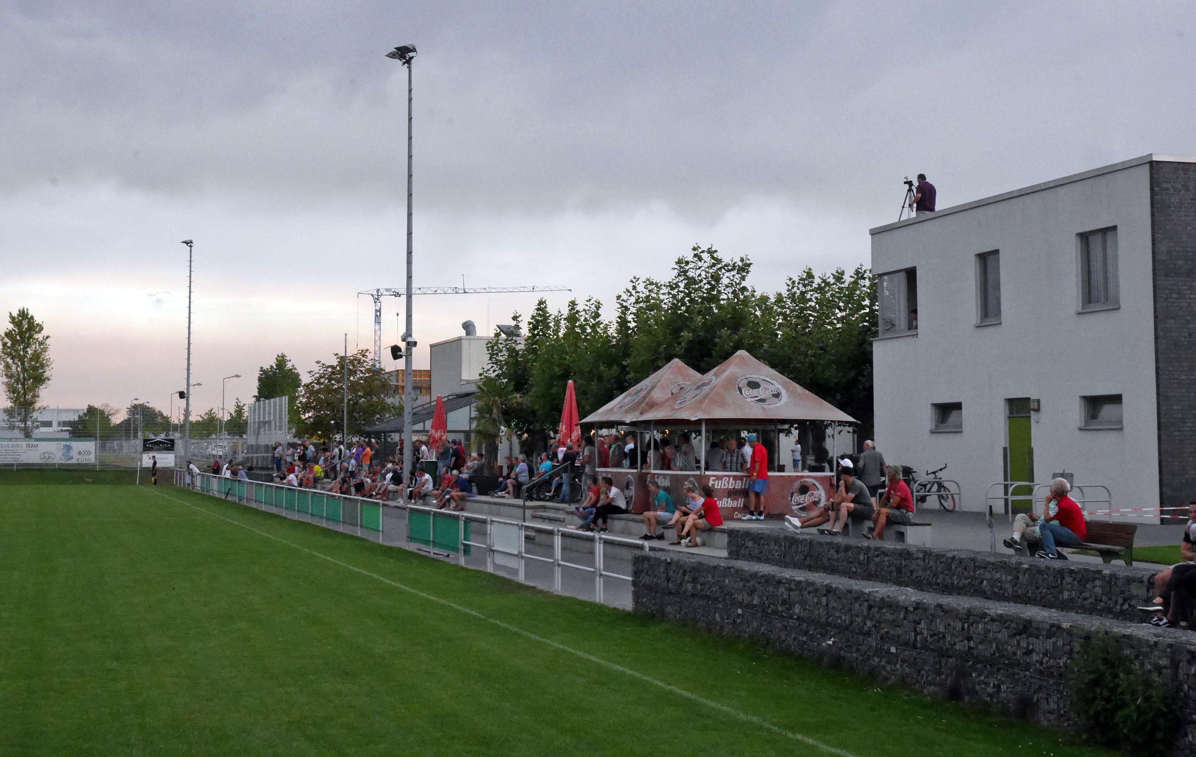 Offiziell 150 Zusehende zum Landesliga-Auftakt…
