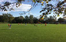 Mildes sonniges Herbstwetter auf dem Sportplatz…