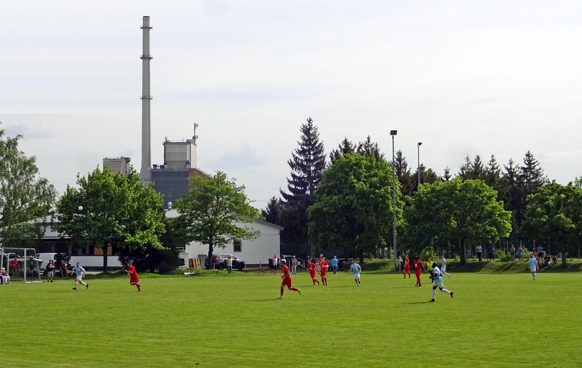Das Heizkraftwerk im Hintergrund…
