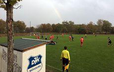 Ein Kreisliga-Match unter dem Regenbogen…
