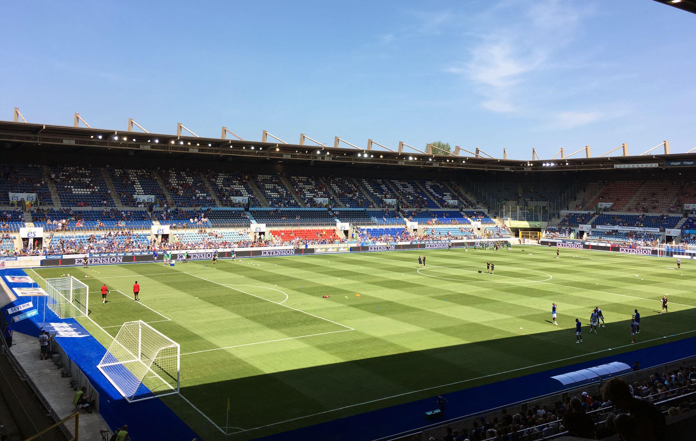 Blauer Himmel vor dem Spiel…