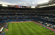 Blitzartig leert sich das Stadion…