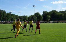 Einmarsch unter Leitung der Schiedsrichterin Chantal Kann…