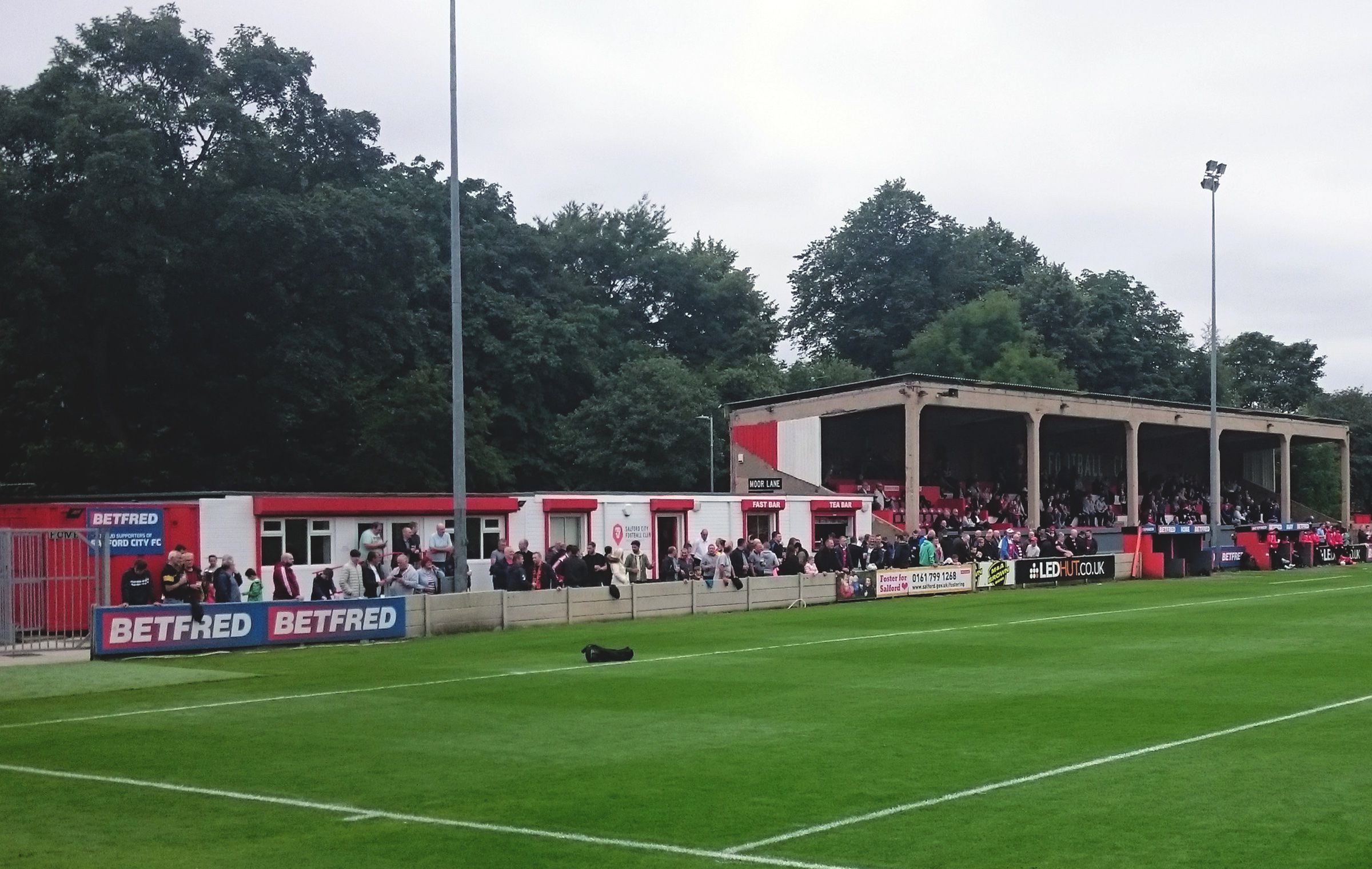 »Moor Lane Salford City FC« / SteHLiverpool auf flickr / CC BY-NC-ND 2.0