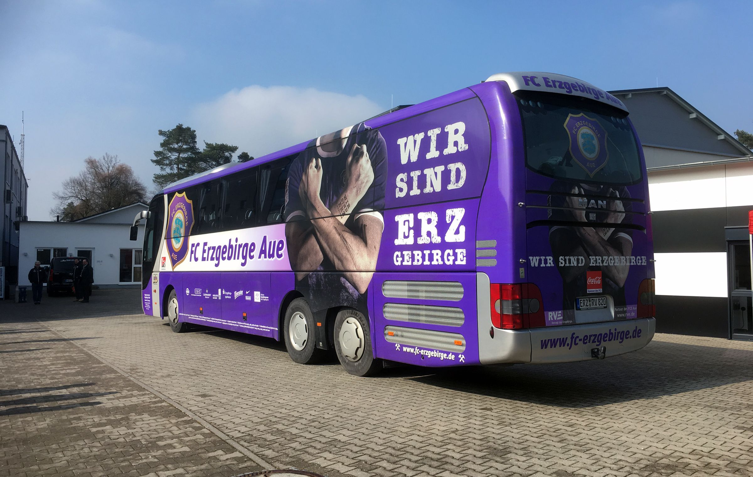 Der Bus aus Aue macht Halt im Wildpark…