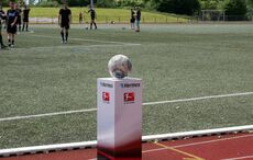 Wie bei den Großen: Der Spielball liegt bereit!
