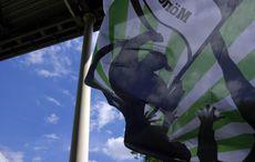Wehende Flaggen im Gladbacher Block…