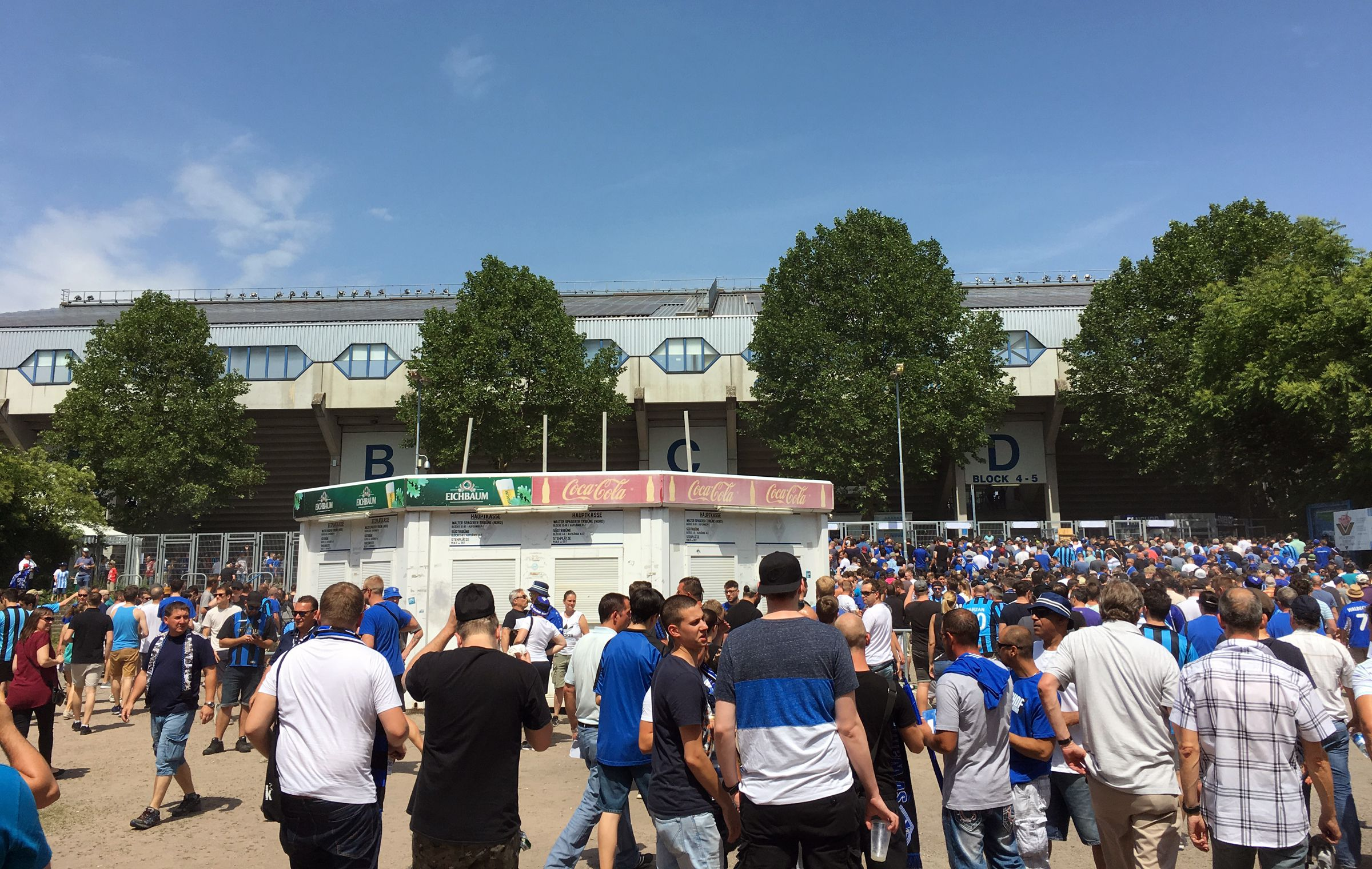 Andrang im Carl-Benz-Stadion
