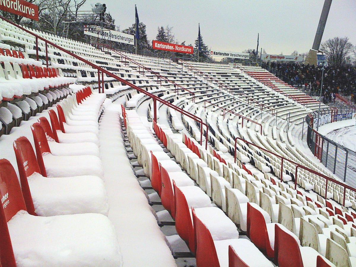 Wildparkstadion im Schnee