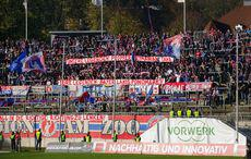 Tapete bemalen ist auch in der Regionalliga populär.